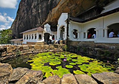 dambulla-rock-temple-800x600